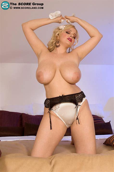 Sophie pantyhose jpg 797x1200