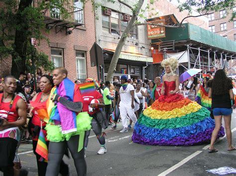 Pride parade wikipedia jpg 2560x1920